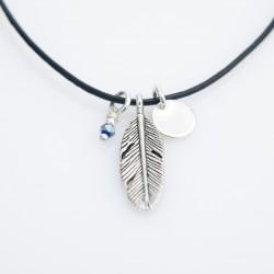 Collier cuir ras de cou plume, petite médaille et jade bleue nuit à facettes