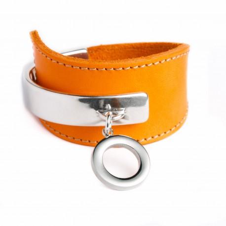 Bracelet manchette cuir orange pampille cercle