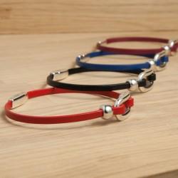 Bracelet cuir fin avec anneau oval incurvé