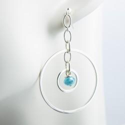 Boucles 'oreille en argent massif anneaux et perles verre bleue