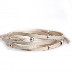 Bracelet lanière cuir à nouer doré perles argentées